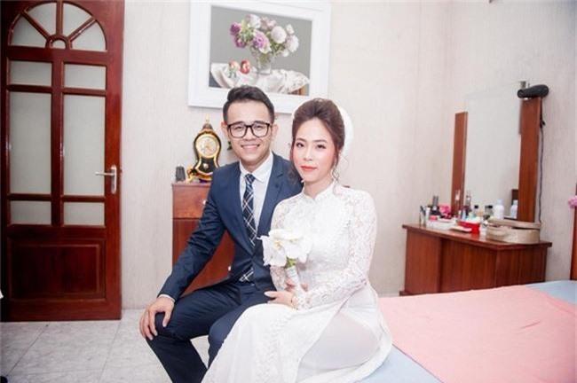 Tiết lộ danh tính nửa kia và chuyện hôn nhân của Nhà báo Lại Văn Sâm, Long Vũ cùng loạt BTV nam nổi tiếng phía Bắc - Ảnh 8.