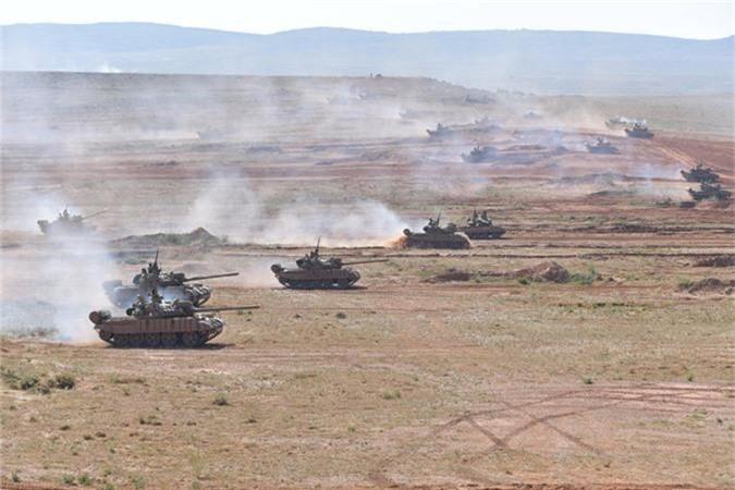 "Xe tang T-55 cua Algeria boc giap ""khung"", Viet Nam co the tham khao-Hinh-3"