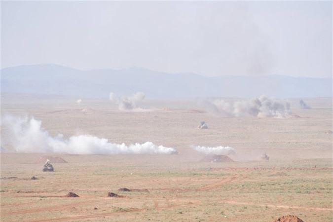 "Xe tang T-55 cua Algeria boc giap ""khung"", Viet Nam co the tham khao-Hinh-5"