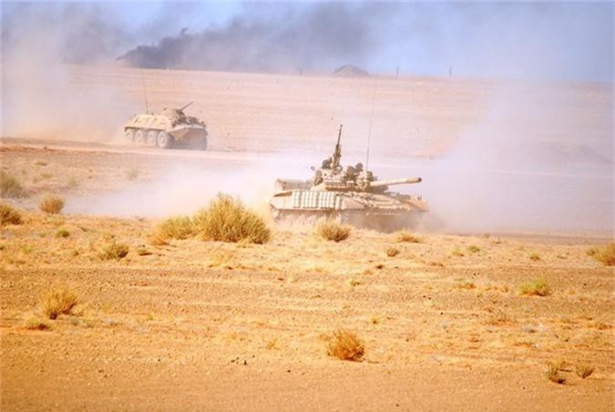 "Xe tang T-55 cua Algeria boc giap ""khung"", Viet Nam co the tham khao-Hinh-7"