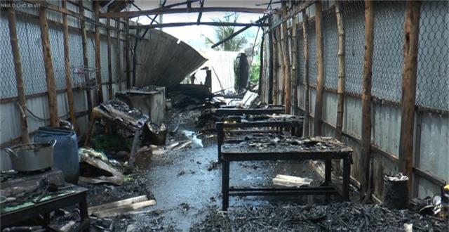 5 căn nhà cháy rụi nghi do nổ bình gas - 3