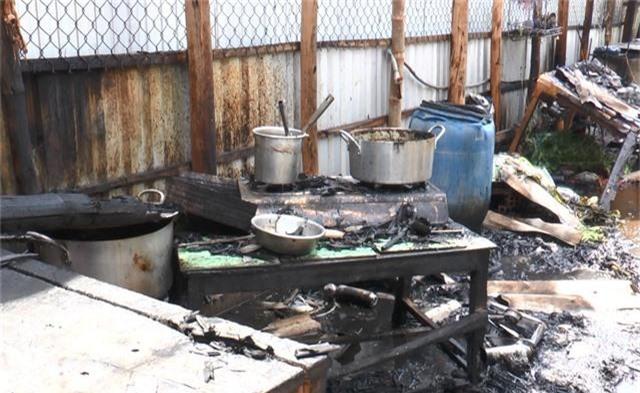 5 căn nhà cháy rụi nghi do nổ bình gas - 6