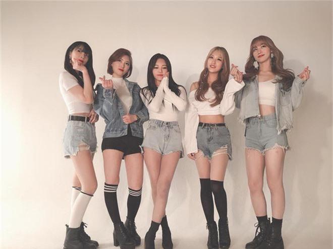 Em họ của thành viên EXO vừa ra mắt trong một nhóm nhạc nữ Kpop và nhan sắc thật sự không vừa - Ảnh 8.