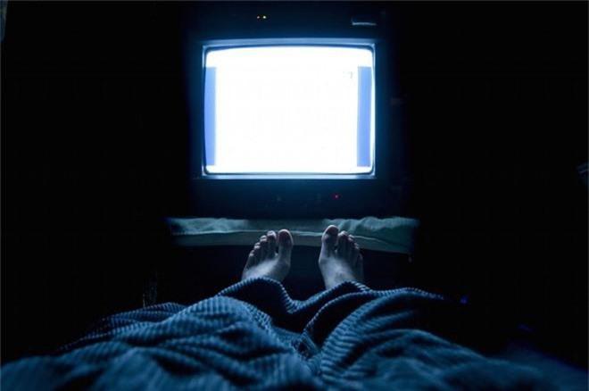 Những kiểu ngủ sai cách khiến sức khỏe của bạn dần đi xuống, thậm chí còn có thể gây tử vong - Ảnh 3.