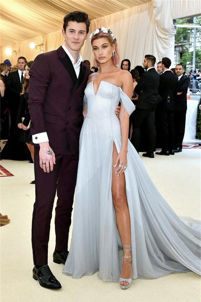 Để Hailey Baldwin lẻ bóng đi Met Gala 2019, Justin Bieber ở nhà làm gì mà bị so với tình cũ siêu đẹp trai của vợ? - Ảnh 3.