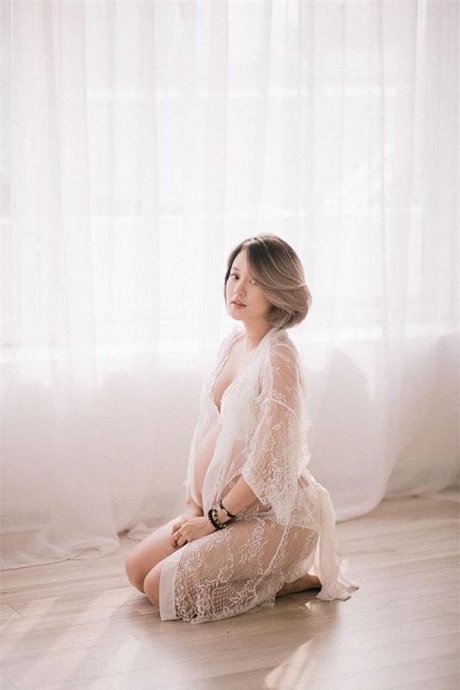 """Nếu có danh hiệu """"nàng thơ"""" mang bầu xinh đẹp nhất, Mi Vân giành giải nhì không ai dám nhận giải nhất."""