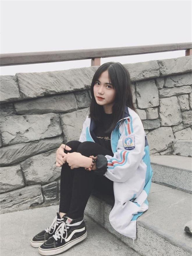 Bị chụp lén những vẫn đẹp xuất sắc, nữ sinh 10X Chuyên Thái Nguyên nổi như cồn chỉ sau một đêm - Ảnh 4.