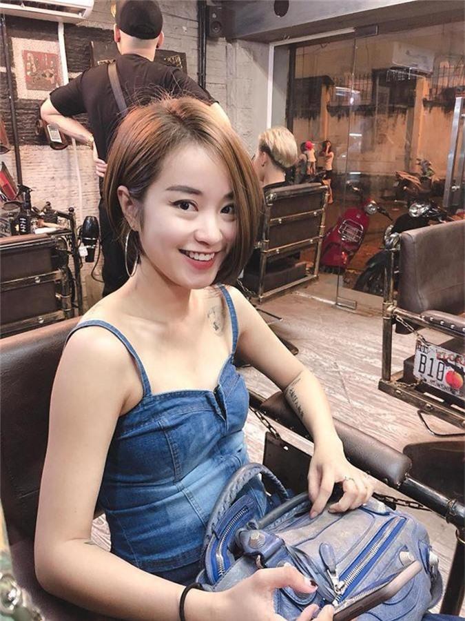 Selfie sau khi sinh con lần 2, Mi Vân khiến dân tình trầm trồ vì sự nghiệp làm mẹ không thể xô đổ nhan sắc tường thành - Ảnh 7.