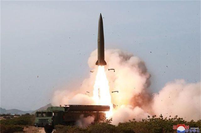 Toan tính phía sau vụ phóng tên lửa bất ngờ của Triều Tiên - 1