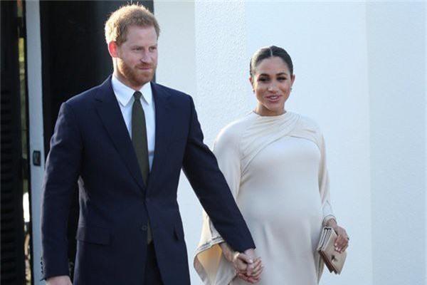 Vợ chồng Meghan bị cáo buộc đã lừa dối công chúng về việc sinh em bé Sussex nhưng đằng sau đó là một góc khuất ít ai biết - Ảnh 4.