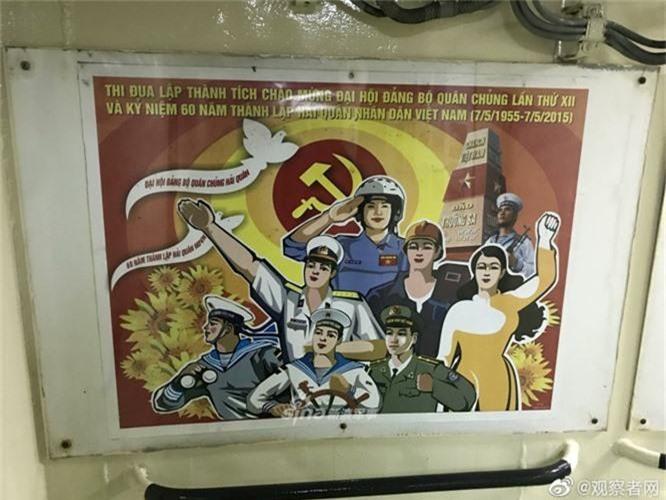 Tau chien Viet Nam mo cua don khach tham quan o Thanh Dao-Hinh-9