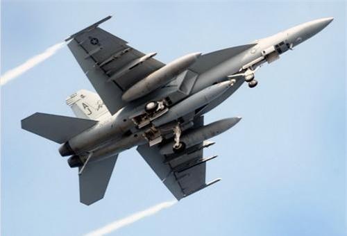 Tiêm kích hạm F/A-18 Super Hornet vẫn sẽ là xương sống của Không quân Hải quân Mỹ