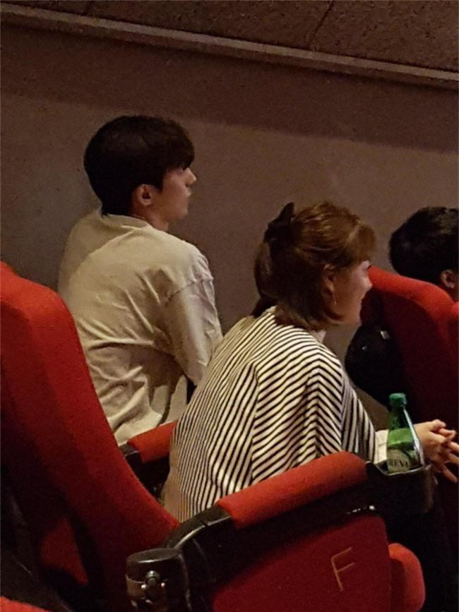 Nam Joo Hyuk ga lăng cởi áo khoác cho chị đẹp Han Ji Min, fan lại đùng đùng gọi hồn người này - Ảnh 3.