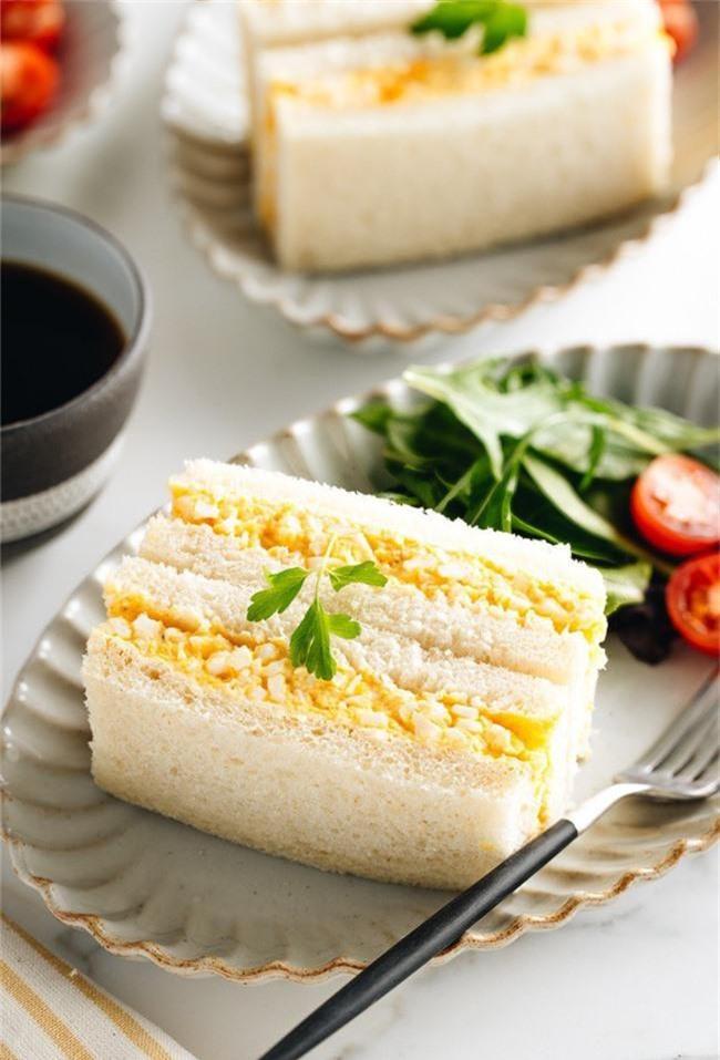Cuối tuần làm sandwich trứng vừa ngon vừa đẹp mời cả nhà ăn sáng - Ảnh 6.