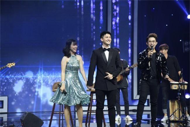 Hết nhận xét Lan Cave Thanh Hương biểu hiện lố, Thu Phương bỏ ghế nóng lên sân khấu song ca cùng cô - Ảnh 5.
