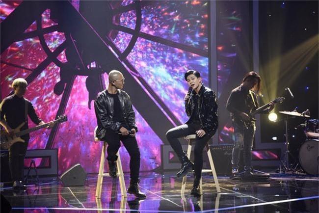 Hết nhận xét Lan Cave Thanh Hương biểu hiện lố, Thu Phương bỏ ghế nóng lên sân khấu song ca cùng cô - Ảnh 8.