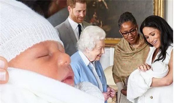 """Không chỉ thay đổi lịch sử hoàng gia, con trai đầu lòng của Meghan còn là đứa trẻ sẽ """"làm nên chuyện"""", tác động không hề nhỏ đến nước Anh vì điều này - Ảnh 1."""