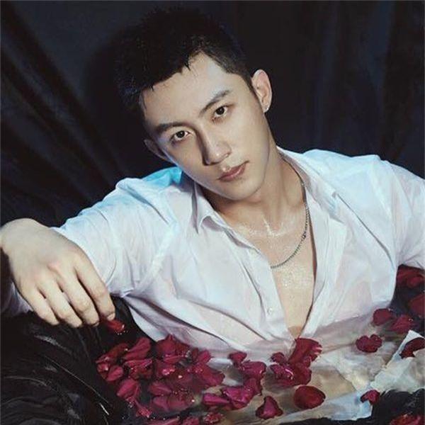 Netizen Trung quên phốt ngoại tình của Hoàng Cảnh Du, khen phim mới Hành Động Phá Băng nức nở! - Ảnh 3.