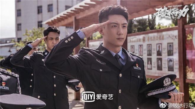 Netizen Trung quên phốt ngoại tình của Hoàng Cảnh Du, khen phim mới Hành Động Phá Băng nức nở! - Ảnh 10.