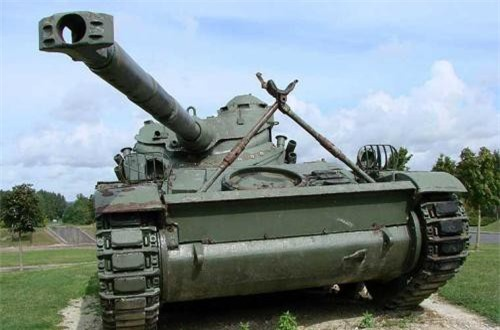 """Theo mạng Military-Today, pháo FL-10 75mm được phát triển trên cơ sở khẩu 75mm L/71 trang bị trên các xe tăng Panther của Pháp. Loại pháo này có thể xuyên giáp dày 170mm ở cự ly bắn tới 2km. Rất tiếc, vì thiếu khóa nòng cũng như đạn dược mà bộ đội ta đã không được thử nghiệm uy lực của pháo này cũng như tốc độ bắn """"chóng mặt""""."""