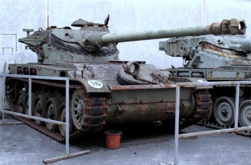 Ngày 1/4/1972, Đoàn thiết giáp 26 đã sử dụng chiếc AMX-13-75 này (được Việt Nam gọi là M51) tham gia tiến công căn cứ Xa Mát (Tây Ninh). Dù pháo chính không bắn được, kíp lái đã dùng súng máy bắn yểm trợ bộ binh kết hợp với cho động cơ gầm rú uy hiếp tinh thần địch. Sau khi trận đánh kết thúc thắng lợi, xe bị hỏng nặng không thể khôi phục nên nên phải cho phá hủy tại trận địa. Với điều kiện thời đó, rất khó khăn để lưu lại những bức ảnh tư liệu về AMX-13-75.