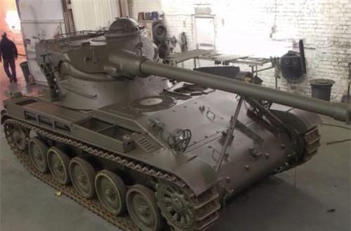 Mặc dù không có lớp bảo vệ tốt, thế nhưng AMX-13 thời bấy giờ sở hữu hàng loạt công nghệ hiện đại - điều mơ ước với xe tăng Mỹ hay là Liên Xô.