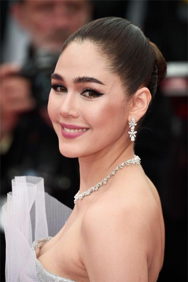 Kiều nữ hàng hiệu nổi tiếng Thái Lan Araya Hargate hút hồn tại Cannes - 2