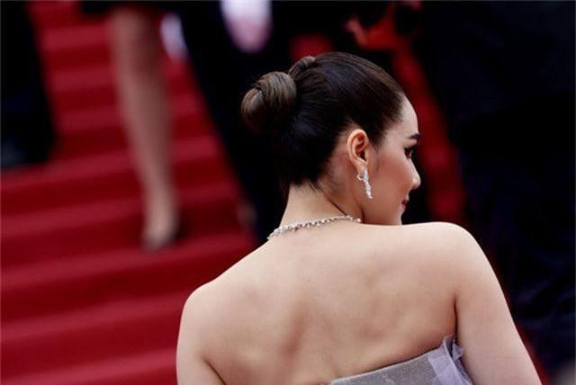 Kiều nữ hàng hiệu nổi tiếng Thái Lan Araya Hargate hút hồn tại Cannes - 3