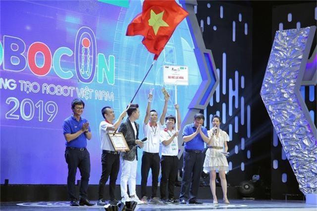Phần thưởng cho các đội tuyển chiến thắng tại Robocon Việt Nam 2019 là gì? - Ảnh 1.