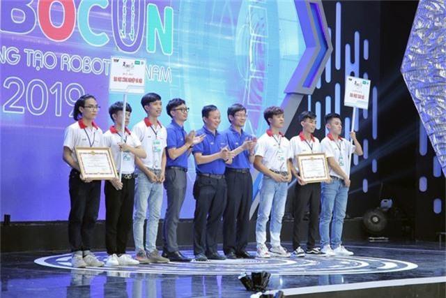 Phần thưởng cho các đội tuyển chiến thắng tại Robocon Việt Nam 2019 là gì? - Ảnh 3.