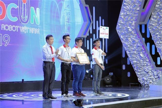 Phần thưởng cho các đội tuyển chiến thắng tại Robocon Việt Nam 2019 là gì? - Ảnh 4.