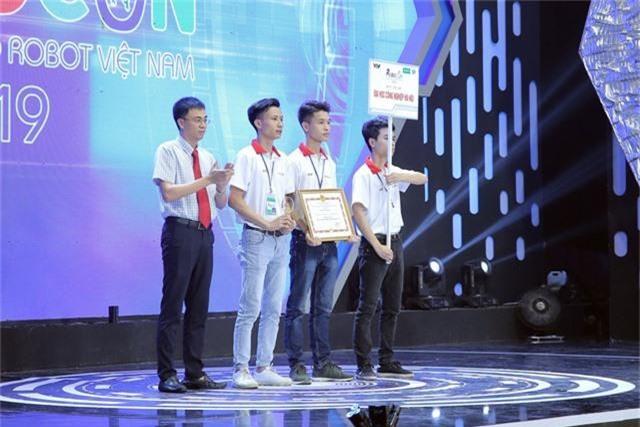 Phần thưởng cho các đội tuyển chiến thắng tại Robocon Việt Nam 2019 là gì? - Ảnh 5.
