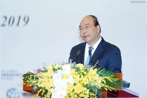 Thủ tướng Nguyễn Xuân Phúc phát biểu tại hội nghị. (Ảnh: VGP)