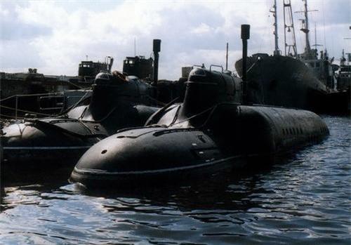 Tàu ngầm cỡ nhỏ lớp Piranha - Dự án 865 của Hải quân Nga