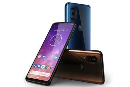 Motorola One Vision có 2 màu Sapphire Blue và Brown. Máy được bán ra ở Brazil vào ngày 16/5 với giá 1.999 Real (tương đương 11,67 triệu đồng).