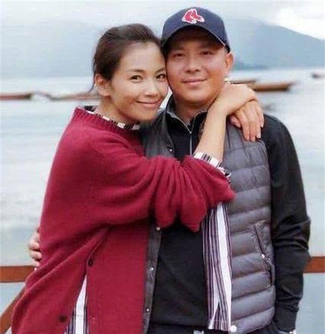 Lưu Đào: Người vợ quốc dân xinh đẹp lăn lộn giúp chồng đại gia trả nợ - 1