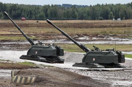 2S19M1 Msta-S là phiên bản đời đầu của dòng pháo tự hành mạnh nhất của nước Nga 2S19 Msta-S. Ước tính 550 khẩu này đang được Lục quân Nga duy trì trong trạng thái sẵn sàng chiến đấu.