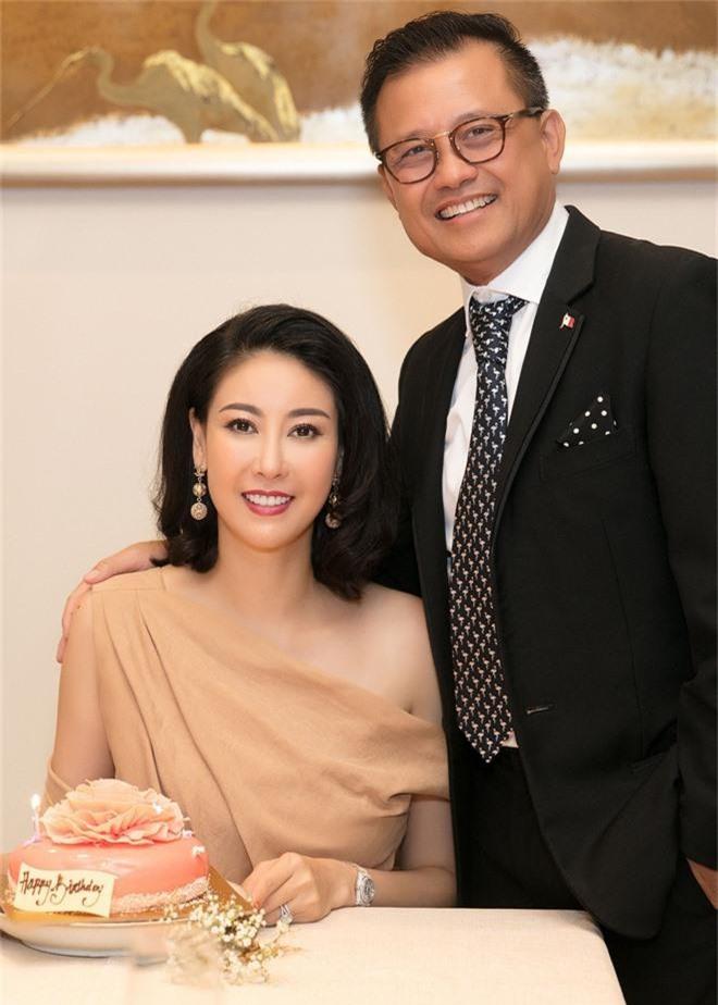 Đặng Thu Thảo, Lê Thúy hội ngộ cùng dàn mỹ nhân không tuổi Vbiz trong tiệc của Hoa hậu Hà Kiều Anh - Ảnh 3.