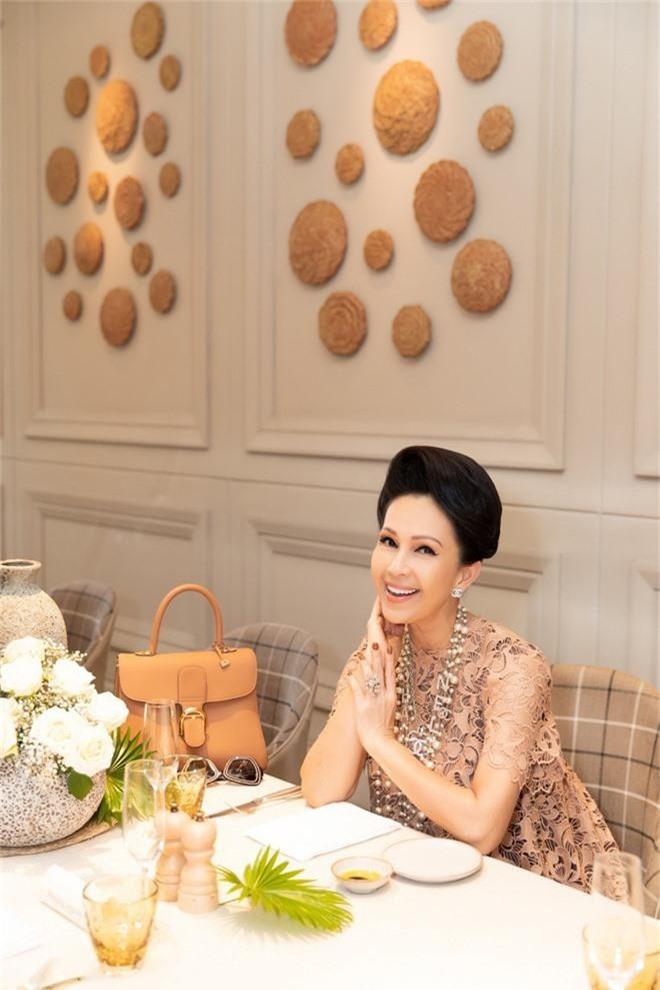 Đặng Thu Thảo, Lê Thúy hội ngộ cùng dàn mỹ nhân không tuổi Vbiz trong tiệc của Hoa hậu Hà Kiều Anh - Ảnh 8.