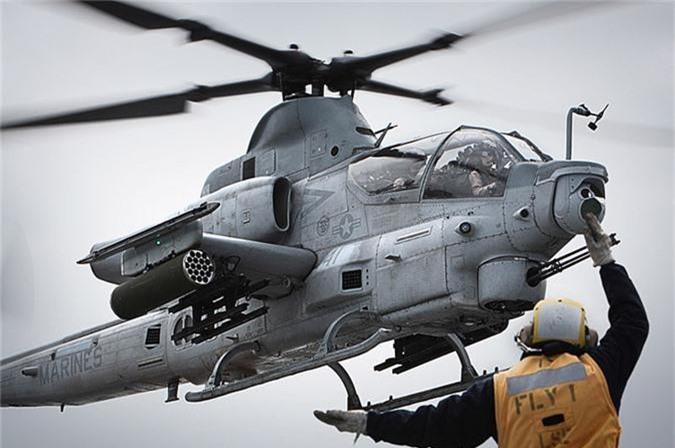 "Day truc thang Mi-24 ""ve vuon"" de ruoc AH-1Z: Sai lam chet nguoi!"