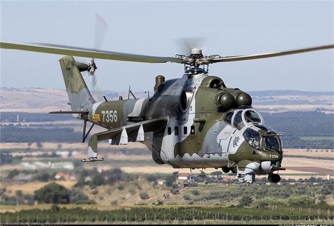 "Day truc thang Mi-24 ""ve vuon"" de ruoc AH-1Z: Sai lam chet nguoi!-Hinh-10"