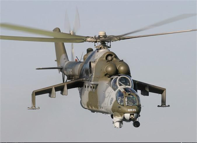 "Day truc thang Mi-24 ""ve vuon"" de ruoc AH-1Z: Sai lam chet nguoi!-Hinh-9"