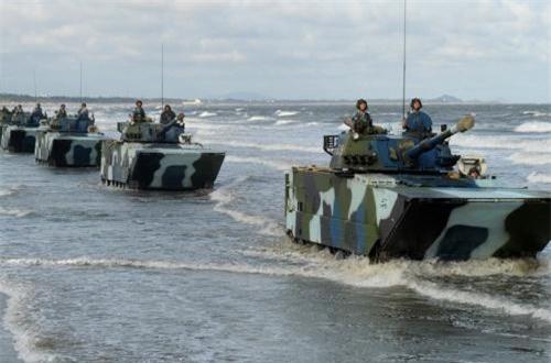 ZTD-05 (phiên bản xuất khẩu gọi là VN-16) là dòng xe thiết giáp hoặc xe tăng hạng nhẹ được thiết kế, phát triển bởi Tổng Công ty Hoa Bắc (NORINCO) cho các lực lượng hải quân đánh bộ.