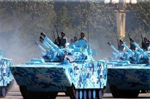"""Có lẽ với sự tham gia của Nga, ZTD-05 có mức độ hoàn thiện cao, hiệu quả tác chiến tốt khiến Trung Quốc tự tin """"vỗ ngực"""" – xe chiến đấu tốt nhất hành tinh."""