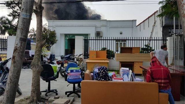 Cháy lớn kho hàng nằm gần cây xăng ở Hải Phòng - 13