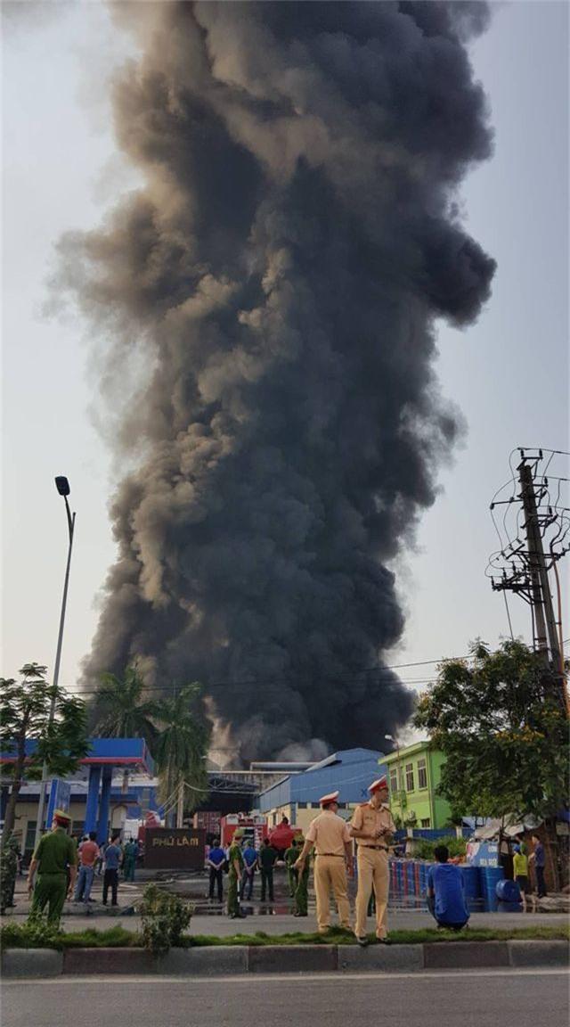 Cháy lớn kho hàng nằm gần cây xăng ở Hải Phòng - 6