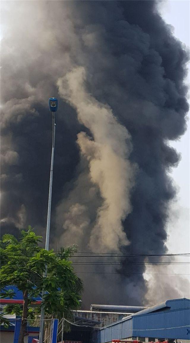 Cháy lớn kho hàng nằm gần cây xăng ở Hải Phòng - 7