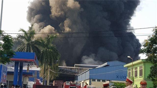 Cháy lớn kho hàng nằm gần cây xăng ở Hải Phòng - 8