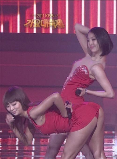 Những màn lộ hàng của sao Hàn khiến fan cũng phải xấu hổ thay: Hyuna là thánh hớ hênh nhưng chưa sốc bằng số 2 - Ảnh 6.