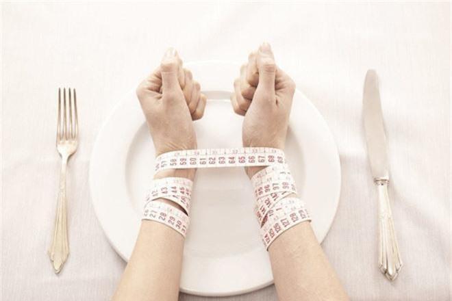 Lại thêm trường hợp nữ sinh cố sức giảm cân dẫn đến hội chứng tâm lý vô cùng nguy hiểm - Ảnh 3.